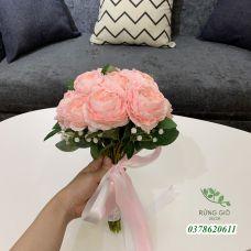 Bó hoa cầm tay cho cô dâu